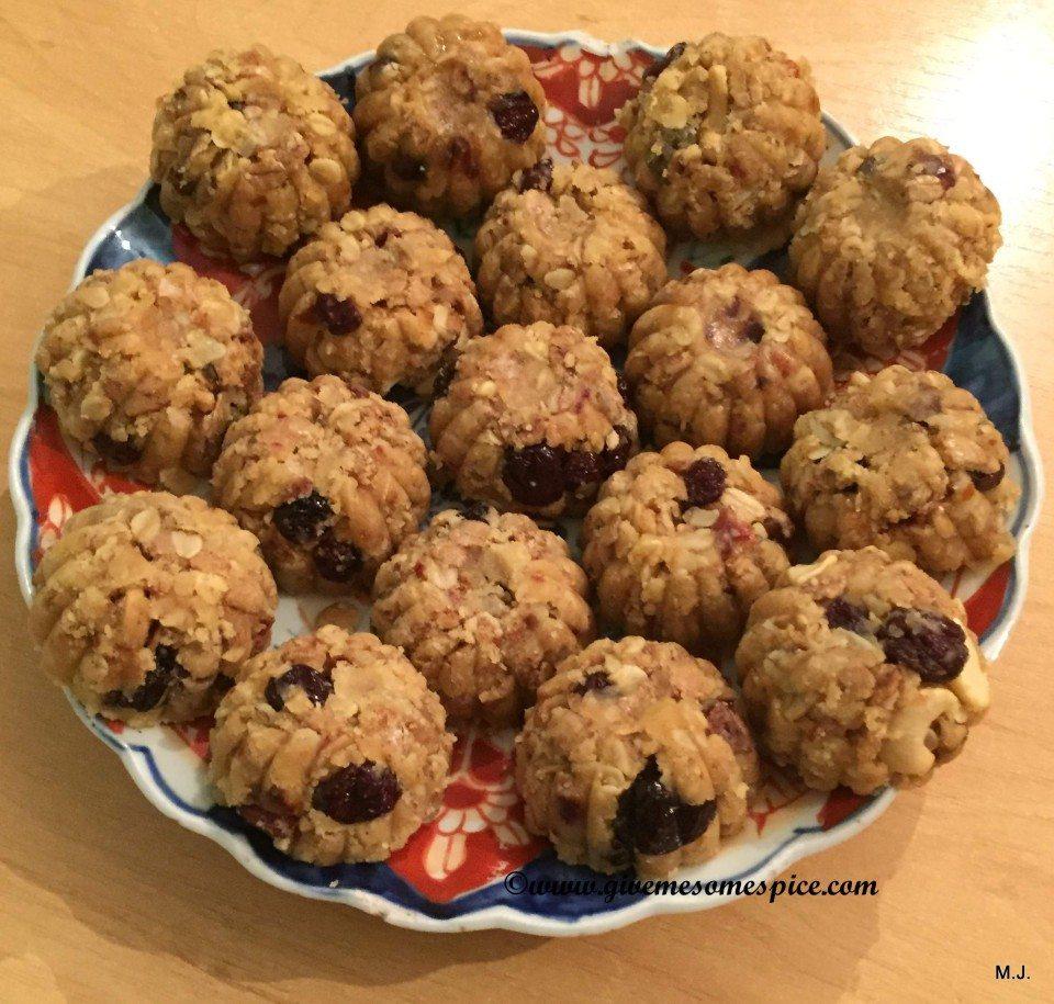 Nuts And Muesli Cereal Balls (Cereal Na Ladoo)